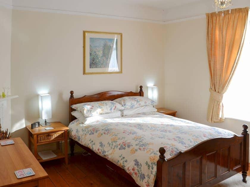 Comfortable double bedroom | Half Moon Cottage, Martham, near Winterton