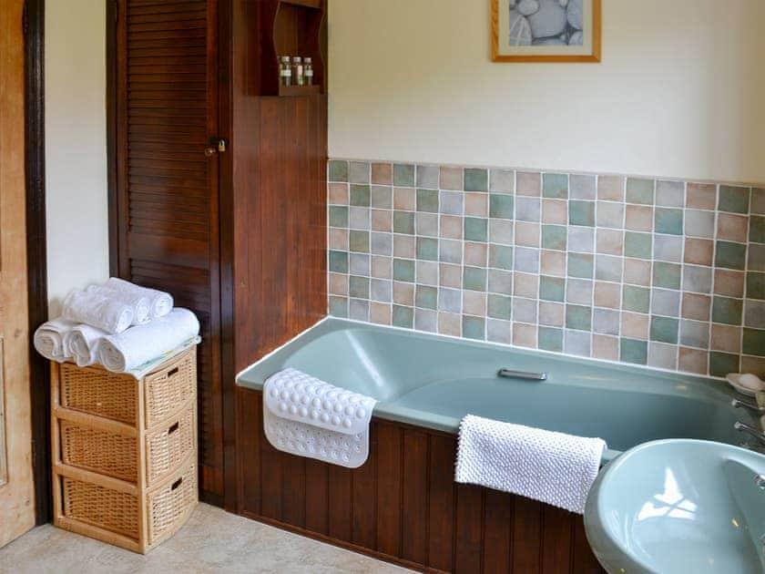 Bathroom | Half Moon Cottage, Martham, near Winterton