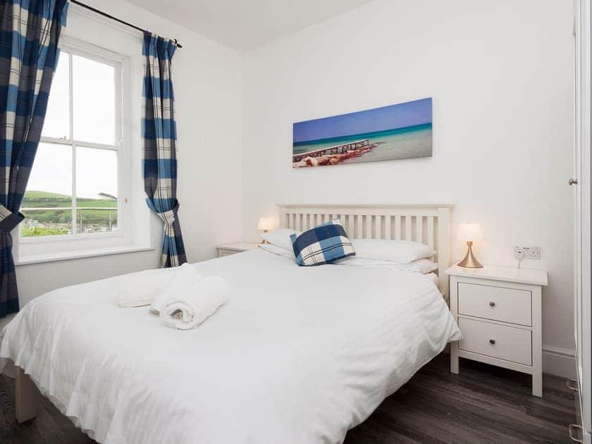Kingsize double bedroom | Glenthorne House 1, Salcombe