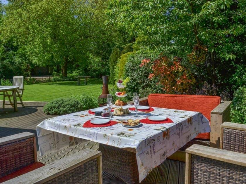 Enjoy afternoon tea on the patio   Rose Cottage, Bratoft, near Burgh-le-Marsh