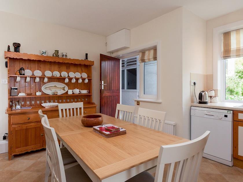 Wonderful farmhouse kitchen style kitchen/diner   Windy Heath, Salcombe