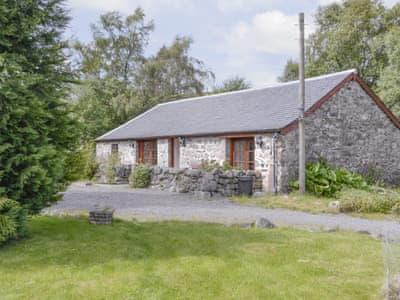 Idyllic holiday home | Rowan Tree Cottage, Glenisla