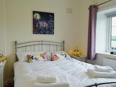Twin bedroom | Frankel Cottage - Cliff Stud Cottages, Helmsley