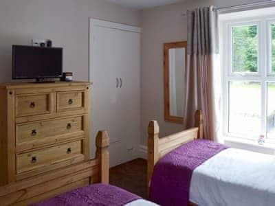 Twin bedroom | Cobwebs, Lindale, near Grange-over-Sands