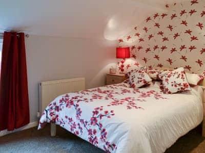 Beautiful double bedroom   Alanna, near Scarborough