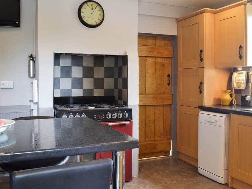 Charming kitchen/diner   Holmefield Cottage - Holmefield, Darley Dale, near Matlock