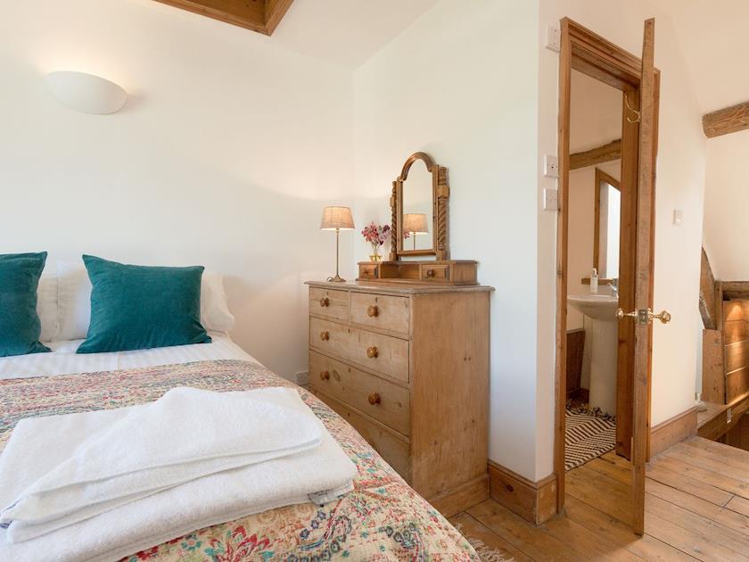 Charming bedroom   Ridge Hill 9, Dartmouth