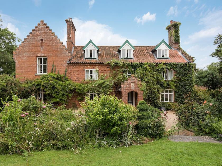 Castle Farm - Castle Farm
