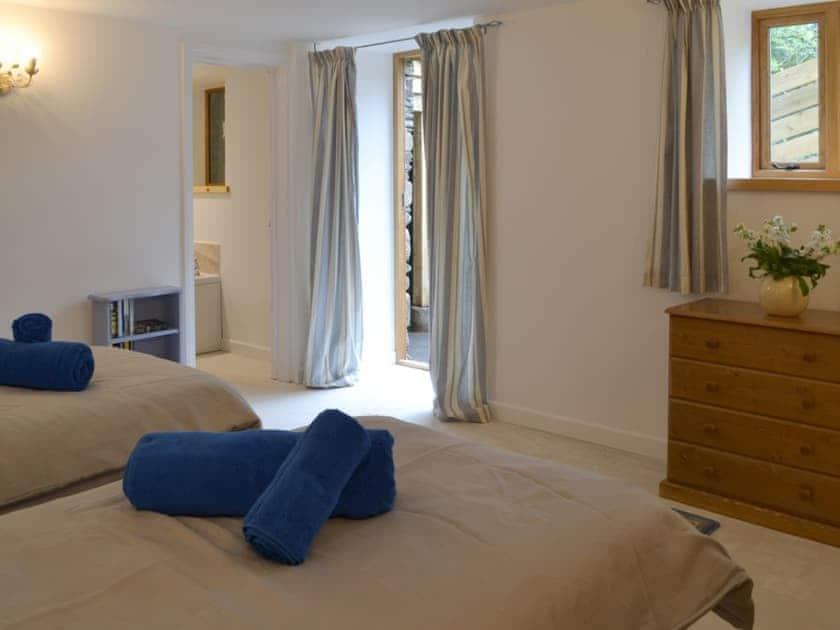 Twin bedroom | Daffodil - Lower Millcombe Barns, Linkinhorne, near Callington