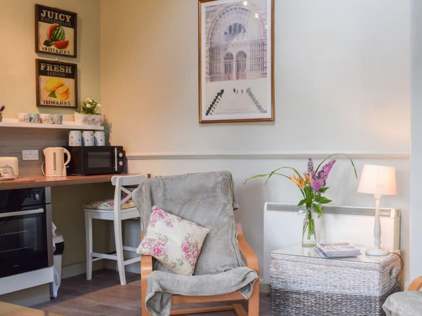Open plan living space | Apple Cottage - Normanton Park Cottages, Normanton, near Oakham