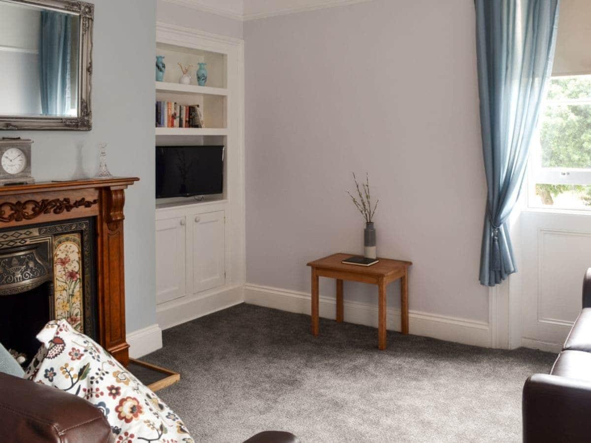 Spring Garden House Apartments - Bluebell Apartment (ref UKC2244 ...
