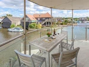 The Boathouse - Waterside