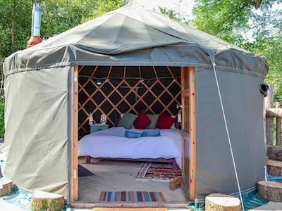 Nomadic style yurt accommodation | Treehouse View - Llethrau Estate, Felindre, near Knighton
