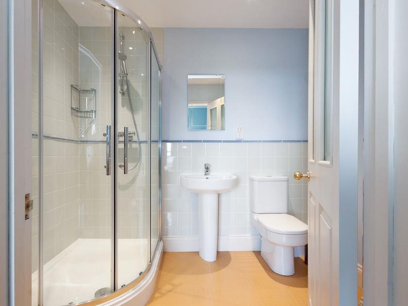 En-suite shower room | Blue Lagoon, Salcombe