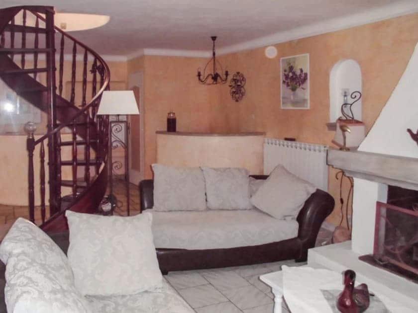 Maison Terracotta