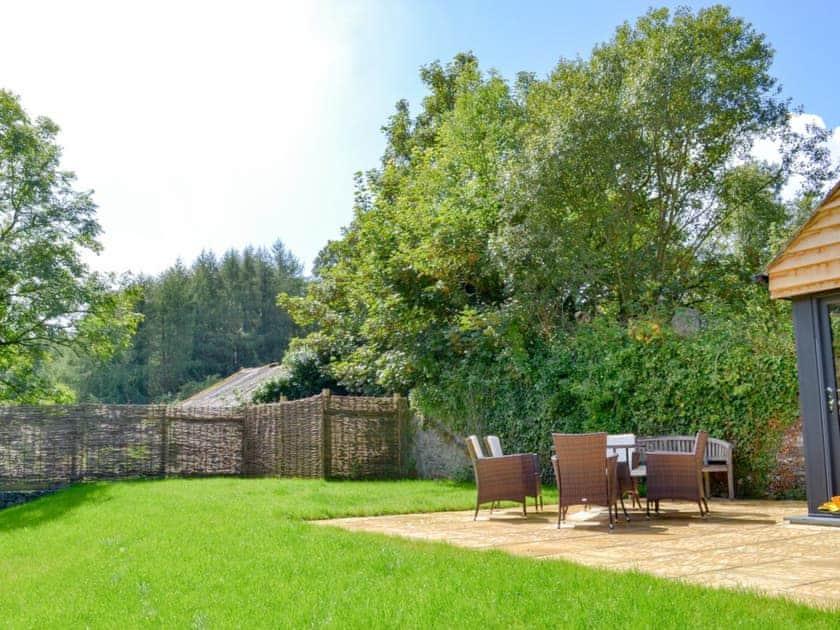 Spacious garden and grounds | Daffodil - Lower Millcombe Barns, Linkinhorne, near Callington