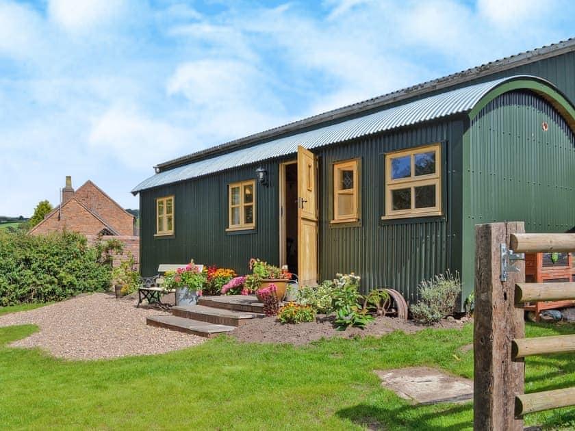 Morrells Wood Farm - Shepherds Lodge