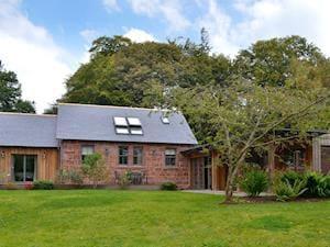 Fasque Castle Cottages - Gardener's Bothy
