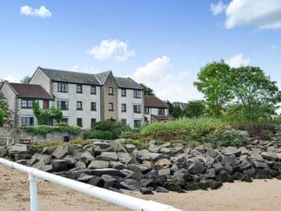 Delightful ground floor apartment | Rose Lane, South Queensferry, near Edinburgh