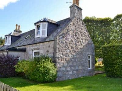 Lawned garden | Granite Cottage, Boat of Garten, near Aviemore