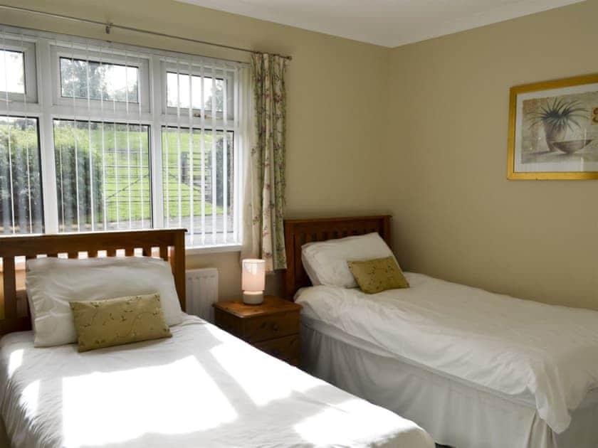 Twin bedroom   Bridge End Farm, Frosterley
