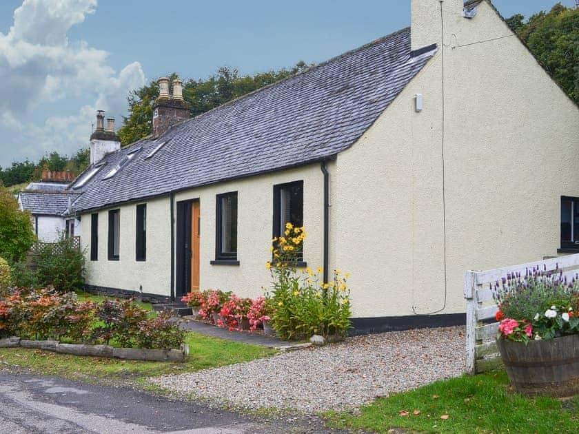 Kinnettas Cottage
