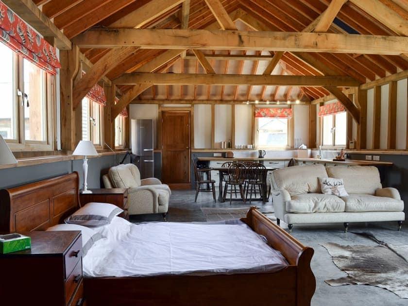 Open plan living space | Little Barn - Midgham Long Copse, Midgham, near Fordingbridge