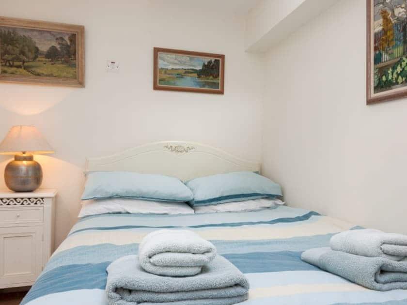 Comfortable double bedroom | Anchorage Studio, Salcombe