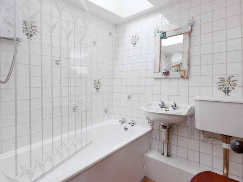 Bathroom | Anchorage Studio, Salcombe