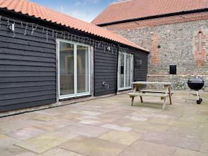 Hall Farm Barns - Courtyard Barn