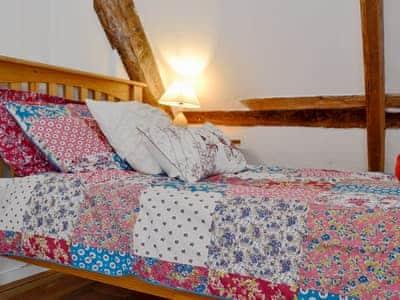 Cosy twin bedroom   Henglyn, Palleg, near Ystradgynlais