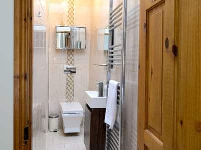 En-suite shower room | Churchill House, Grassington