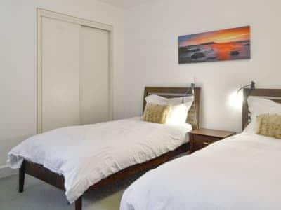 Good sized twin bedroom | Allt Beag, Carrbridge, near Aviemore