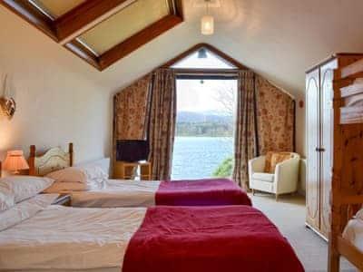 Twin bedded room with bunk beds | Waterhead Studio, Near Ambleside