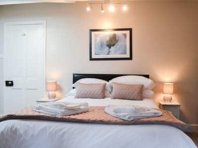 Lovely master bedroom   The Coach House - Bridge House Cottages, Corbridge, near Hexham