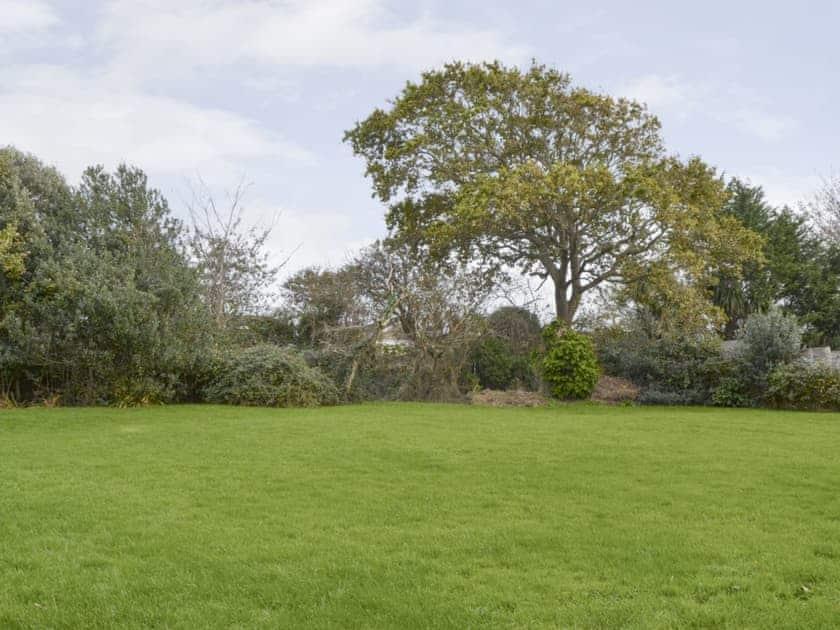 Large enclosed garden | Greystones, Freshwater