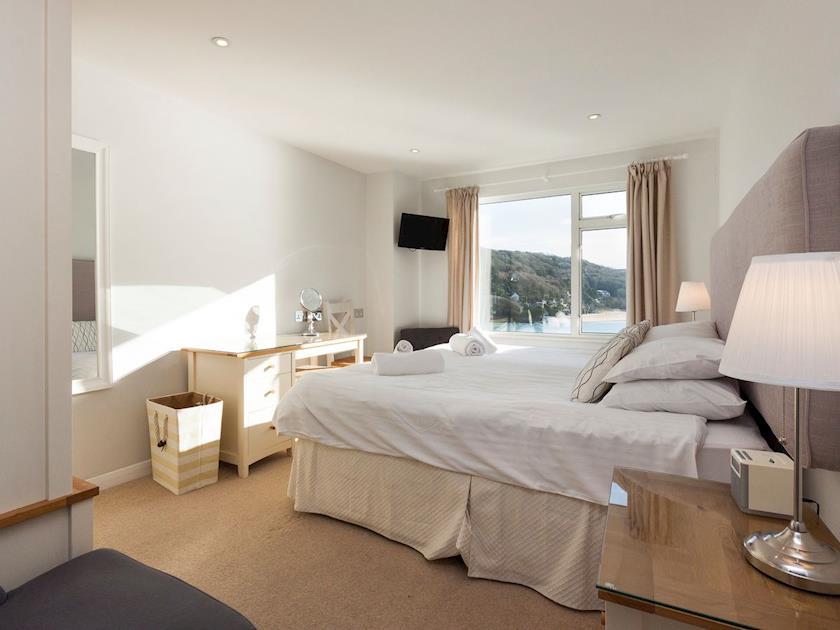Twin bedroom | Upper Deck, Salcombe