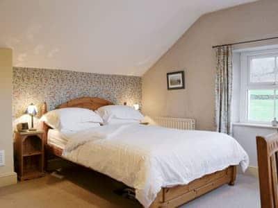 Relaxing double bedroom | Brasscam, Seatoller