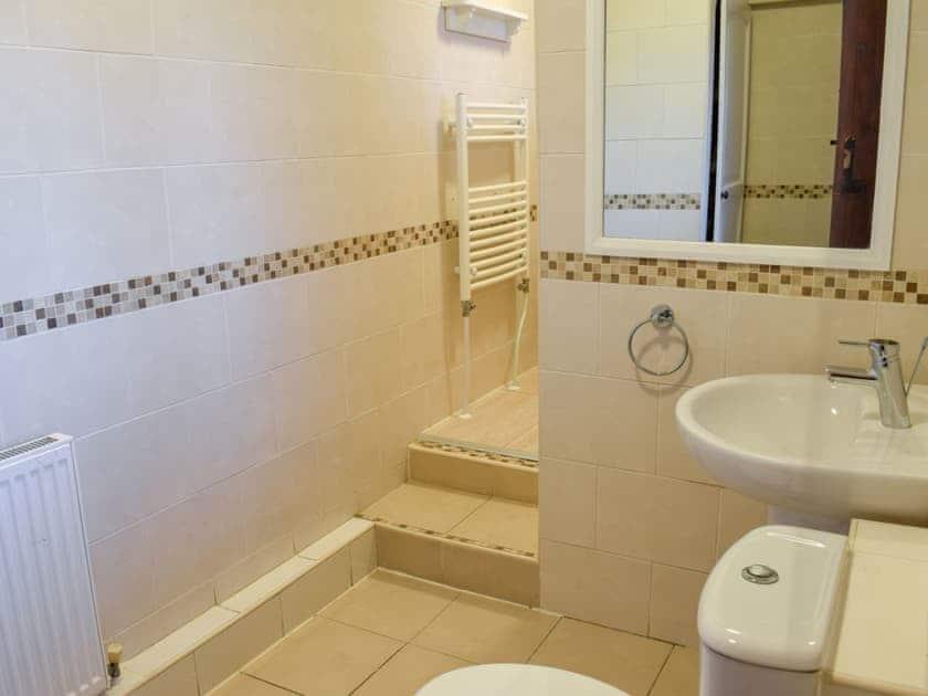 Bathroom | Yew Tree Cottage, West Ayton, near Scarborough