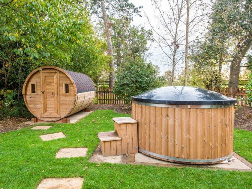 Private hot tub and sauna | Cowslip Cottage - Swardeston Cottages, Swardeston, near Mulbarton