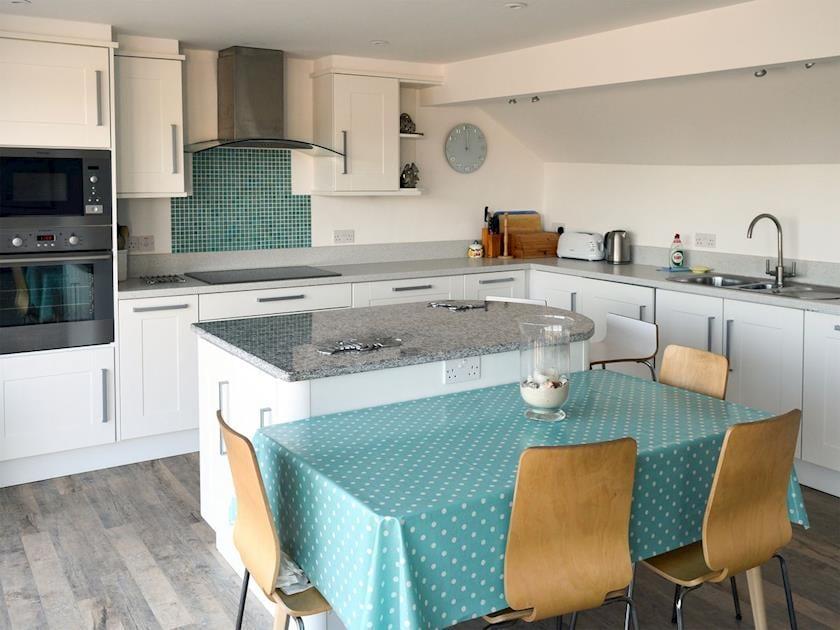 Inviting kitchen area | Hideaway, Salcombe