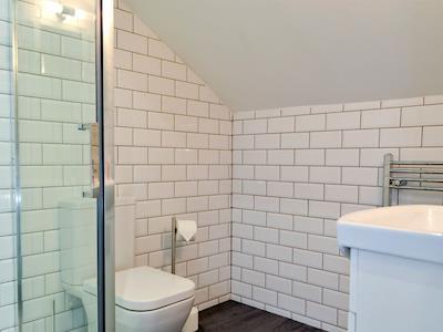 En-suite shower room | Acorn Cottage, Bowness-on-Windermere