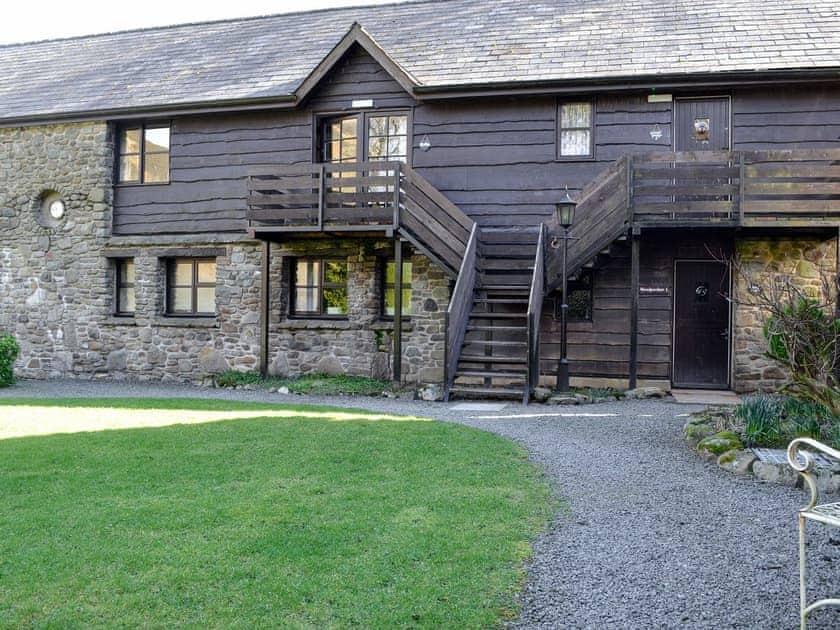 Lovely barn conversion | Robin's Retreat - Cwm Chwefru Cottages, Newbridge-on-Wye, near Builth Wells