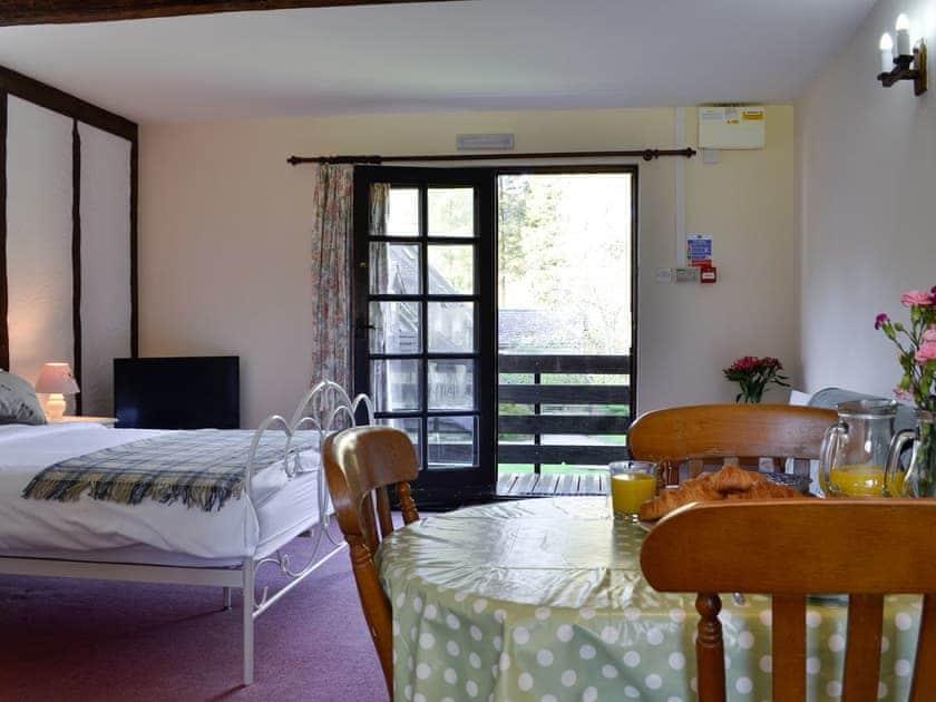 Open plan living space | Robin's Retreat - Cwm Chwefru Cottages, Newbridge-on-Wye, near Builth Wells