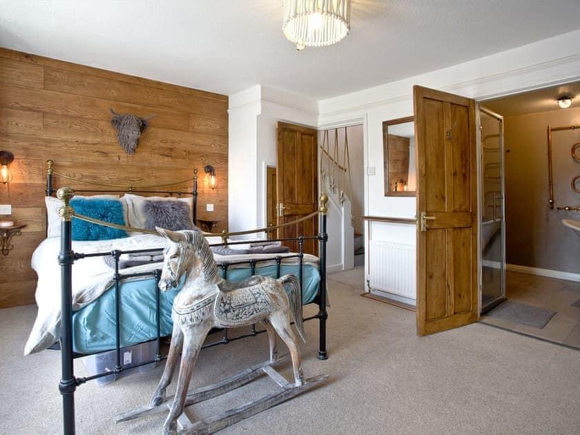 Relaxing master bedroom   Fishlegs, Brixham