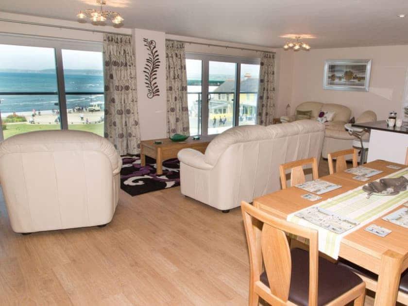 Open plan living space | Apartment 11 Latitude 51 - Latitude 51, Westward Ho!
