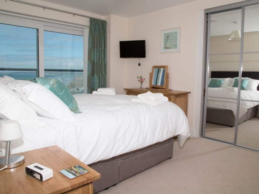 Double bedroom | Apartment 11 Latitude 51 - Latitude 51, Westward Ho!