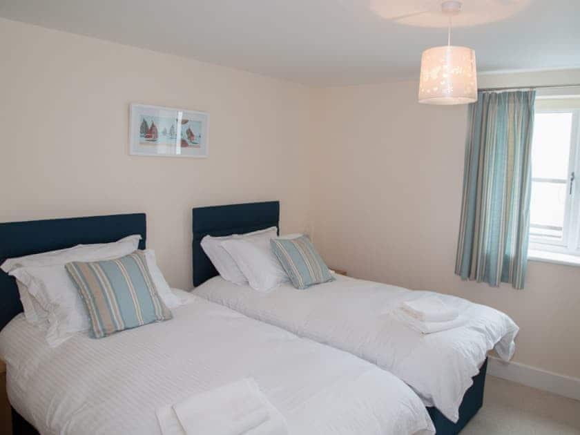 Twin bedroom | Apartment 11 Latitude 51 - Latitude 51, Westward Ho!