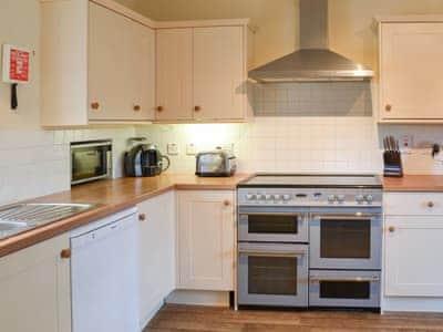 Cosy shabby chic kitchen diner | Einich, Newtonmore, near Aviemore
