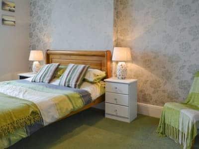 Peaceful double bedroom | Yoke House - 5, near Pwllheli